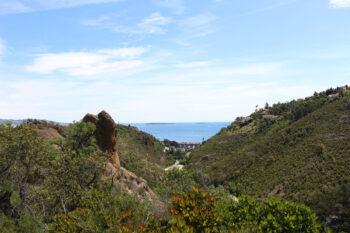 Vue panoramique depuis les crètes du sentier de Mandelieu La Napoule.