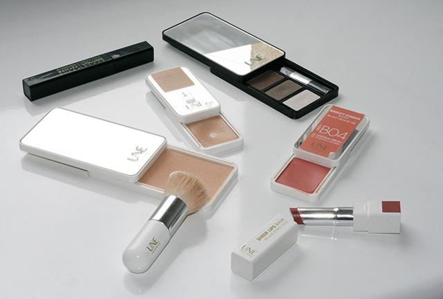 Produits de maquillage naturel Une Beauty cosmétiques nude.