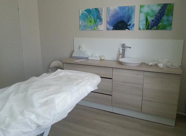 Salle de massage de l'institut Yves Rocher du centre ville d'Antibes
